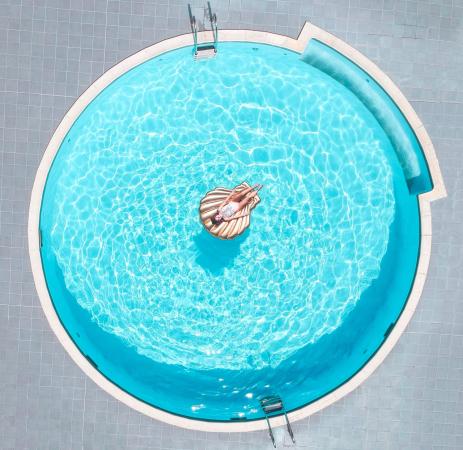 piscine - ©BWA CHIK HOTEL & GOLF