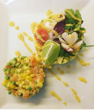 tartare de saumon - ©AUX DEUX CHEFS
