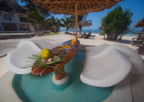 Beach Bar - ©WATER LOVERS BEACH RESORT