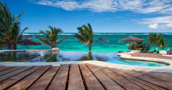 La piscine - ©WATER LOVERS BEACH RESORT