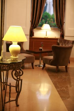 BOUTIQUE HOTEL KOTONI Hotel Tirana Tiranë photo n° 151240 - ©BOUTIQUE HOTEL KOTONI