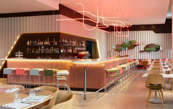 bar - ©25 HOURS HOTEL ZÜRICH WEST