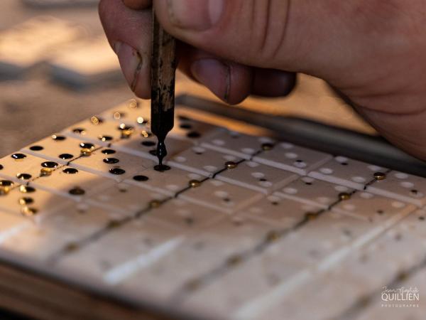 Mouchetage des dominos - ©Jean-Baptiste Quillien Photographe