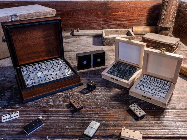 Jeu de dominos créés par les ateliers du musée - ©Jean-Baptiste Quillien Photographe