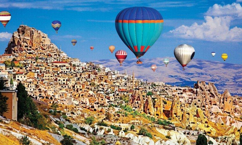 turquie-montgolfie-res-de-la-cappadoce-c-eli-asenova