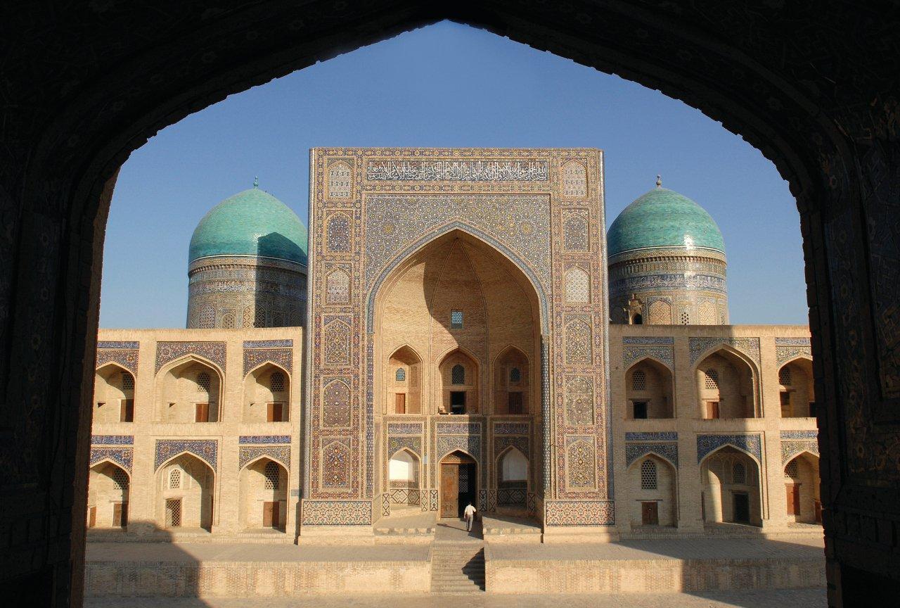 ouzbekistan-le-bukhara-c-oversnap