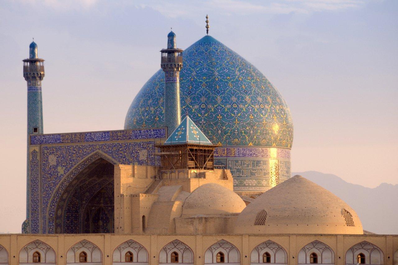 2-iran-mosque-e-shah-c-tunart