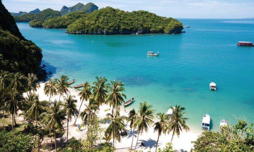 magnifique-paradis-beach-sur-angthong-national-park-koh-samui-en-thai-lande-c-fototrav