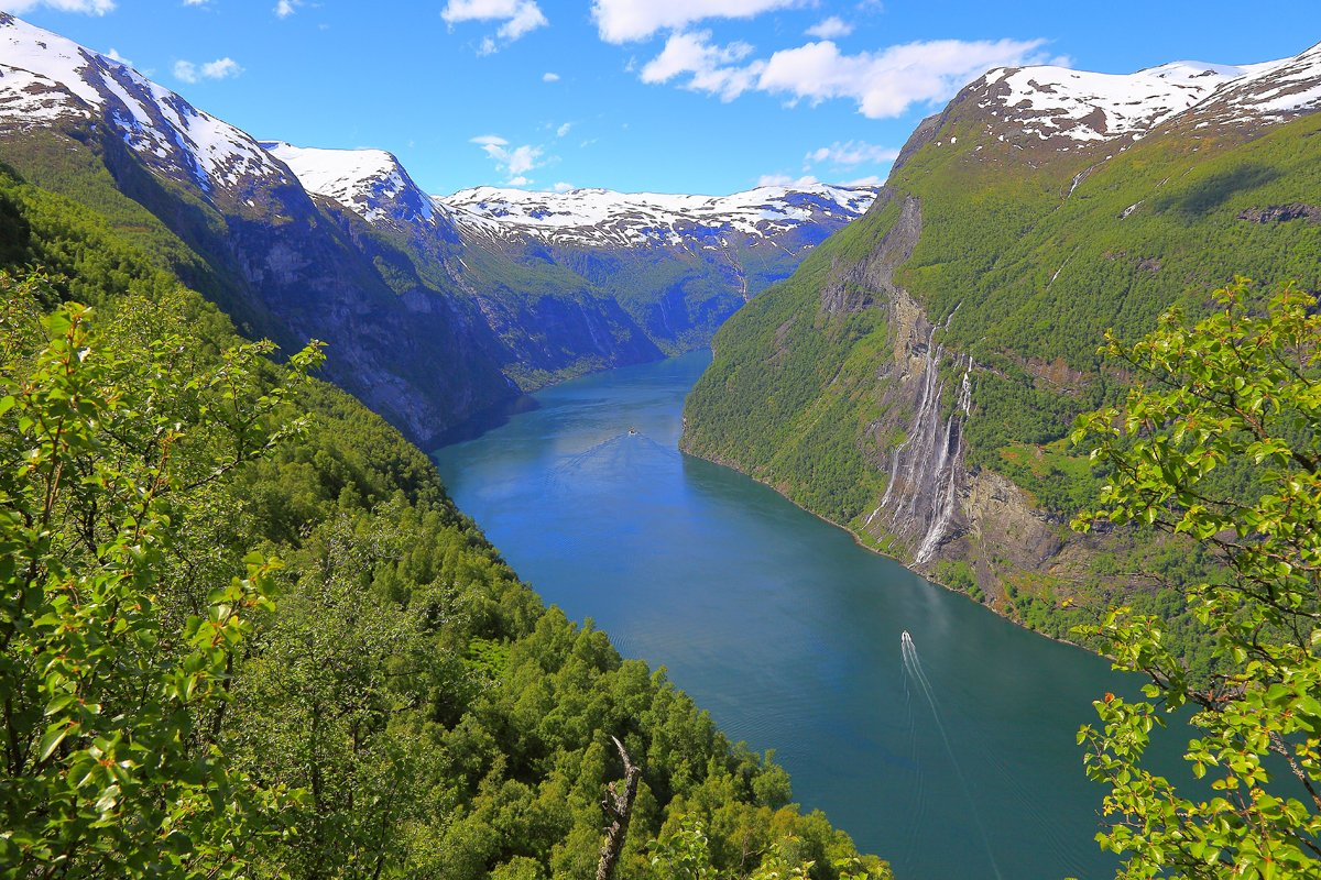 1-geiranger-fjord-ship-cruise-seven-sisters-waterfall-norway-c-agustavop